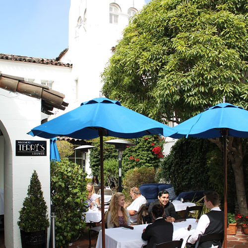 lunch at carmel terrys with outdoor dining