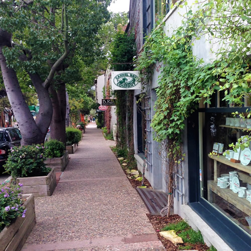 carmel boutique inn steps to shopping