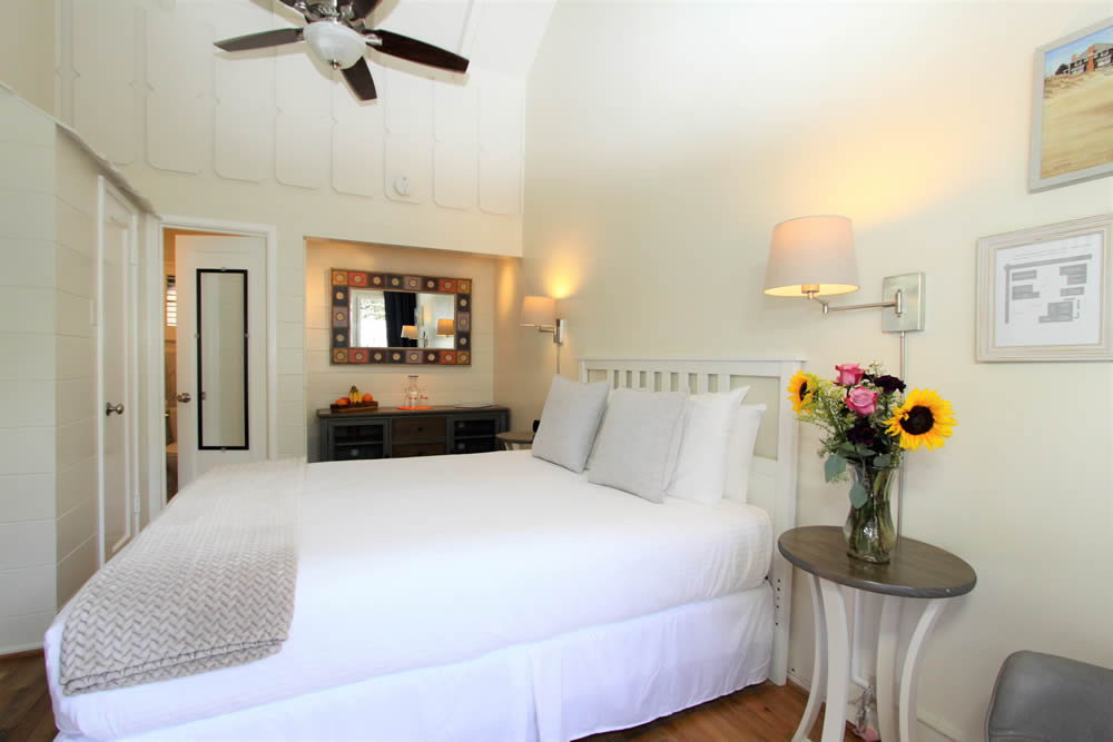 katydid room with bed and dresser