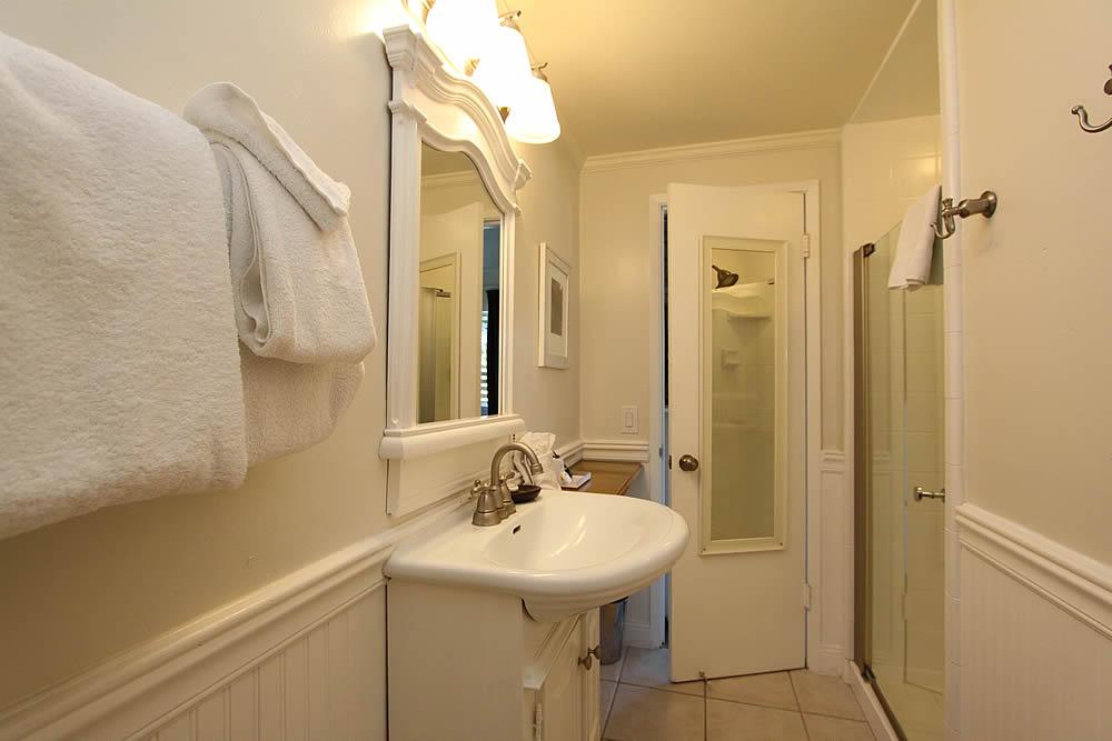sea otter room with private bath